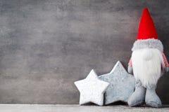 Bożenarodzeniowy gnomu und Santa kapelusz Boże Narodzenie wzór Tło dalej Zdjęcia Royalty Free