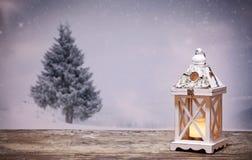 Bożenarodzeniowy lampion i śnieżne jodły Zdjęcia Royalty Free