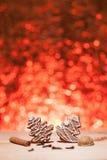 Bożenarodzeniowy miodownik z czerwieni zamazanym tłem Zdjęcia Stock