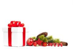 Bożenarodzeniowy prezent z dekoracją obraz stock