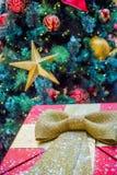 Bożenarodzeniowy prezenta pudełko, dekoracja i Zdjęcia Stock