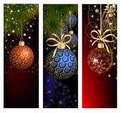 Bożenarodzeniowy strona internetowa sztandaru set dekorujący z Xmas drzewem, dźwięczenie dzwonem, płatkami śniegu i światłami, ilustracji