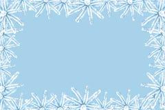 Bożenarodzeniowy tło z śnieżystą błękitną świerczyną na kanwie z miejscem dla inskrypcji Elegancka kolor korekcja royalty ilustracja