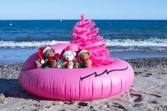 Bożenarodzeniowy wakacje Przychodzi Szczęśliwych wakacji pocztówkowy projekt Niezwykły Bożenarodzeniowy projekta pojęcie zdjęcie royalty free