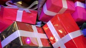 Bożenarodzeniowych teraźniejszość prezentów dekoraci kreatywnie zakończenie up Obrazy Royalty Free