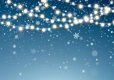 Bożonarodzeniowe światła z błyskotliwymi spada płatek śniegu na nocnego nieba tle Xmas rozjarzona girlanda Bożenarodzeniowy opad  ilustracji