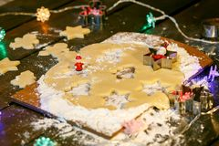 bożych narodzeń ciastek znaleziska wizerunki patrzeją więcej mój portfolio ten sam serie Bałwany, jodeł gałąź Zdjęcia Royalty Free