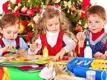 bożych narodzeń dekoraci dzieciaków robienie Obrazy Royalty Free