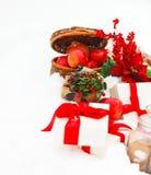 Bożych Narodzeń wciąż życie z Bożenarodzeniowe dekoracje, ciastka i p, Obraz Stock
