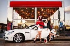 Boże Narodzenia przy samochodowym obmyciem Zdjęcia Royalty Free