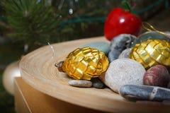 Boże Narodzenia Wakacyjne dekoracje sosnowe Zdjęcia Stock