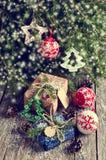 Boże Narodzenia zawijali prezenty Fotografia Royalty Free