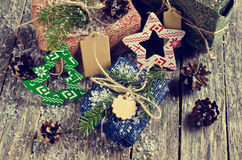 Boże Narodzenia zawijali prezenty Obrazy Royalty Free