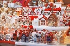 Boże Narodzenie kram z prezentami Zdjęcia Royalty Free