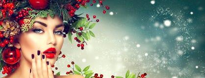 Boże Narodzenie mody kobieta Wakacyjna fryzura i makeup Zdjęcie Stock