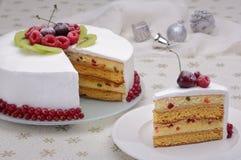 Bo?e Narodzenie tort z jagodami obrazy royalty free