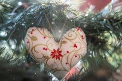 Bożenarodzeniowa dekoracja na drzewnym tle fotografia stock