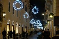 Bożenarodzeniowa iluminacja na ulicie w Rzym Zdjęcie Stock