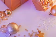 Bożenarodzeniowe dekoracje, prezenty Zdjęcie Royalty Free