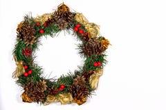 Bożenarodzeniowego wianku Jedlinowego drzewa zabawki jagod Wakacyjnego prezenta Magiczny wystrój C Fotografia Royalty Free