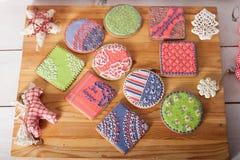Bożenarodzeniowi ciastka i handmade retro zabawki Obrazy Royalty Free