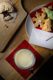 Bożenarodzeniowi ciastka mleko i mince pie dla Santa Fotografia Stock