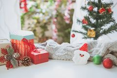 Bożenarodzeniowi prezenty, ornamenty i dekoracje inkasowi, zdjęcia stock