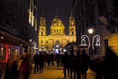 Bożenarodzeniowy jarmark przed bazylika kwadratem przy christmastime Fotografia Stock