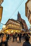 Bożenarodzeniowy restauraci i wakacje hotel z Notre-Dame widokiem Obraz Royalty Free