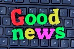 A boa notícia das palavras no teclado de computador Fotos de Stock Royalty Free