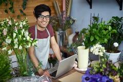 Boa vinda ao florista foto de stock