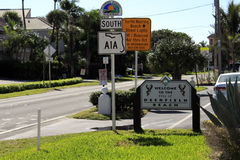 Boa vinda ao sinal da praia de Deerfield Imagem de Stock Royalty Free