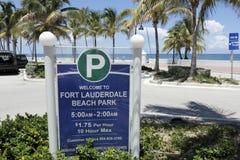 Boa vinda ao sinal do parque da praia do Fort Lauderdale Foto de Stock Royalty Free