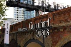 Boa vinda ao sinal dos cais de Gunwharf Fotografia de Stock Royalty Free