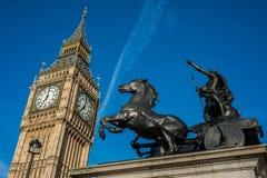 Boadiceastandbeeld en Big Ben in Londen Royalty-vrije Stock Fotografie