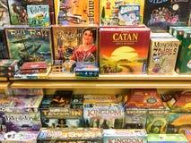 Boardgames待售在娱乐媒介商店 图库摄影