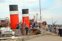 Boarding the waverley paddle steamer Stock Photo
