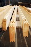 boards den träcontructing prefaben för kabinen Royaltyfri Foto