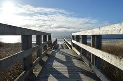 Boardwalk pogodna plaża Fotografia Stock
