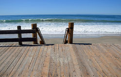 Boardwalk stairway to Main Beach in Laguna Beach, California. Stock Photos