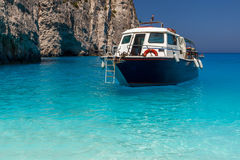 Boat anchored on Navagio beach (also known as shipwreck beach), Royalty Free Stock Photos