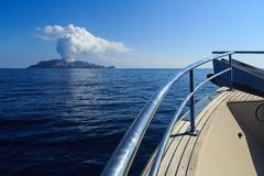 Free Boat Approaching White Island, An Active Volcano In New Zealand Stock Photography - 110883642