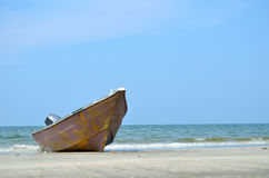 A boat at a beach Royalty Free Stock Image