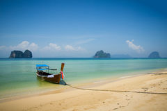 Boat on Beach in Thailand Royalty Free Stock Images