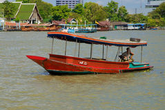 Boat on the Chao Praya river Royalty Free Stock Photos