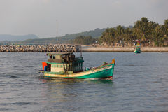 The boat comes to the sea port of Phu Quoc Stock Photo