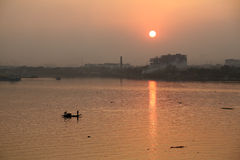 Boat crossing Hoogly river in Kolkata Royalty Free Stock Images
