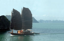 Boat cruise on Halong Bay, Vietnam Stock Images