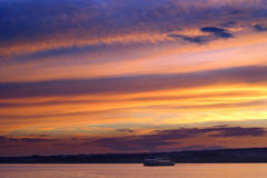 boat cruise twilight Στοκ εικόνα με δικαίωμα ελεύθερης χρήσης