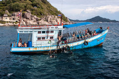 Boat with divers Royalty Free Stock Photo